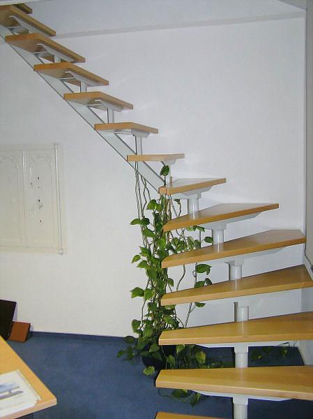 Treppen Ohne Geländer individueller treppenbau und geländerbau stahlunterkonstruktion