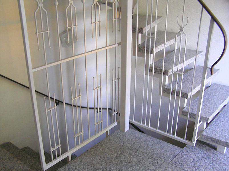 Treppengeländer Holz Gebogen ~ individueller Treppenbau und Geländerbau, Stahlunterkonstruktion